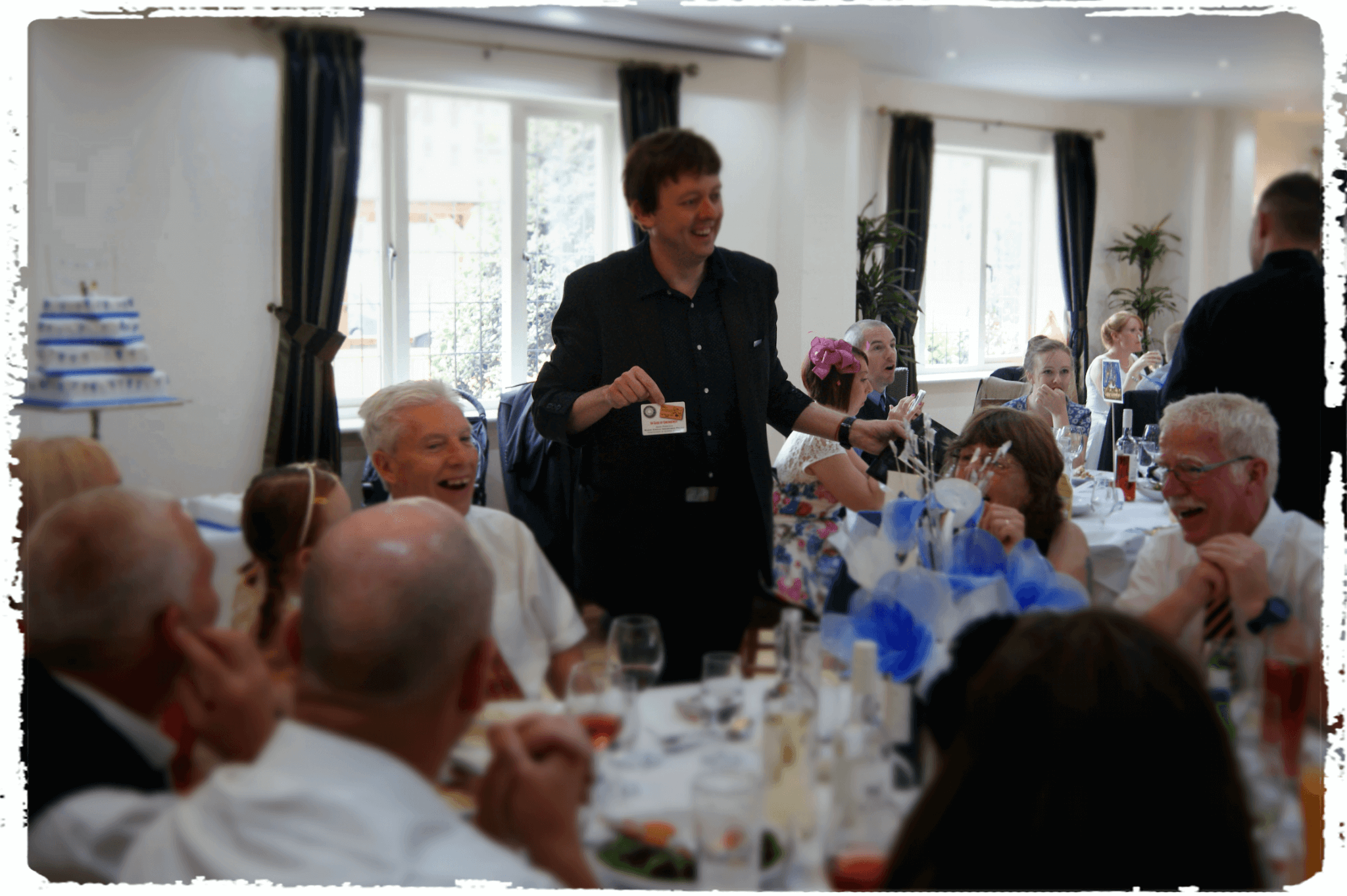 Wedding-Magician-Entertains-In-Derbyshire